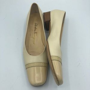 Salvatore Ferragamo Vintage Cream Leather Pumps
